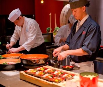 北海道または、沖縄・石垣島のリゾート地を舞台に、料理人として活躍しませんか。