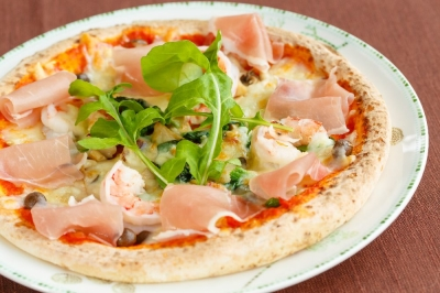 アラカルトピッツァなどの、イタリアンをメインとした料理を提供しています。