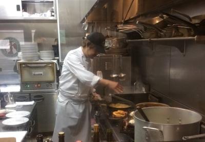 南イタリア・シチリア島で修業した経験を持つ料理長の高い調理スキルを習得できます