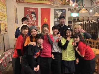 梅田駅から徒歩5分♪アクセス便利なベトナム料理店☆勤続10年目の仲間もいるほどチームワークの良さは◎
