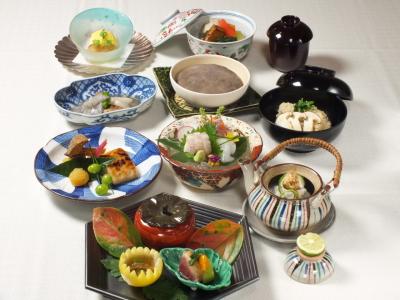 名店の流れを組む、本格日本料理が学べます