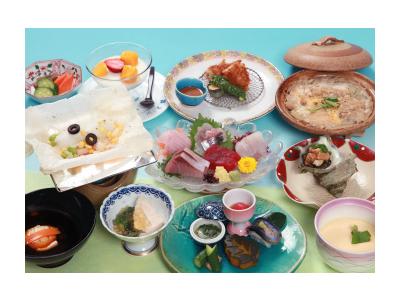 海の幸と里山の幸をバランスよく揃えたコース料理を提供しています
