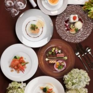 京都の名店がプロデュースする、料理の定評が高いゲストハウスです。