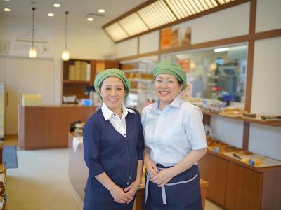 1日3,000個売れることもあるクリームパンでおなじみの、「バックハウス イリエ」の本店で働こう
