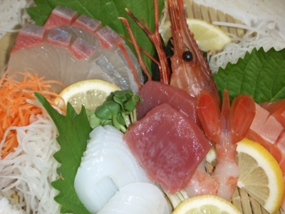 居酒屋で多彩な料理の調理に取り組みませんか。