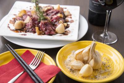 御茶ノ水にある定番欧州料理をアレンジしたにんにく料理専門店でホールスタッフを募集!