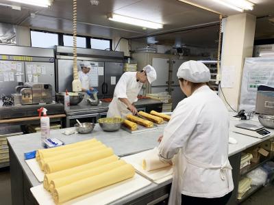 都内に5店舗を展開する洋菓子店です。小金井市にあるアトリエで、新たにパティシエを募集します!
