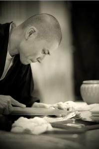 北新地の中心にある鮨店「鮨 村上二郎」で、寿司職人を募集します!