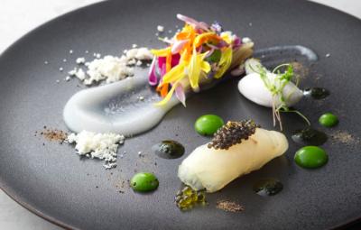 高級食材を使い、フレンチスタイルの幅広い調理に携われます