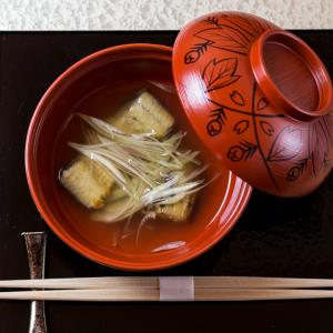 京都の老舗ミシュラン三ツ星獲得店で腕をふるった経歴を持つ店主のもとでキャリアアップを。