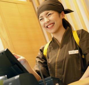 働きやすい環境を整えているから、笑顔で働ける職場です。