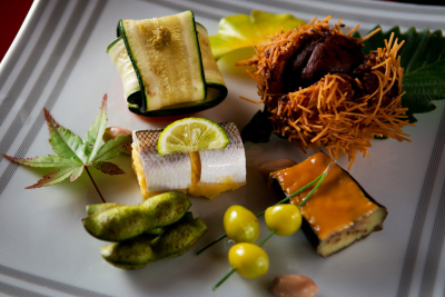 おいしい食事に経験を活かしたおもてなしで、最高のサービスを提供してください。