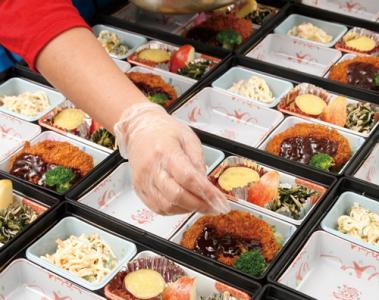 給食事業では「圧倒的な価格」で商品を提供