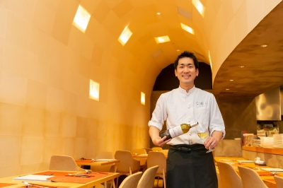 大阪の一流ホテルで中華を専門に腕を磨いてきたオーナーシェフ