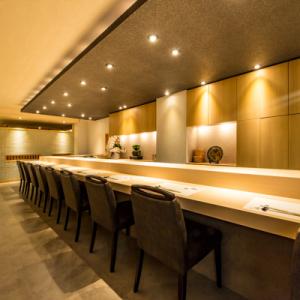9月に北新地でオープンする当店で寿司職人として腕をふるってください!