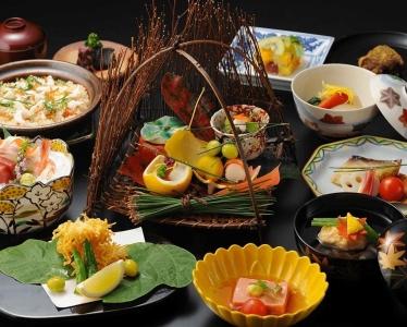 江戸時代から継承される一生ものとなる日本料理のスキルを身につけませんか。