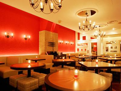 ラグジュアリーな雰囲気のスペイン料理店