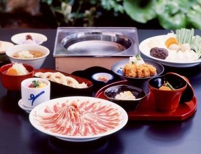 北海道から鹿児島まで全国的に展開する、「黒豚しゃぶしゃぶ」が人気のお店でキッチンスタッフ募集中!