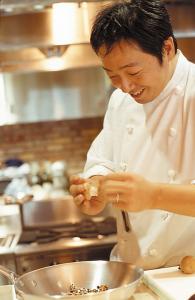 グルメサイトで高評価を獲得する3店舗で、キッチンスタッフを募集!