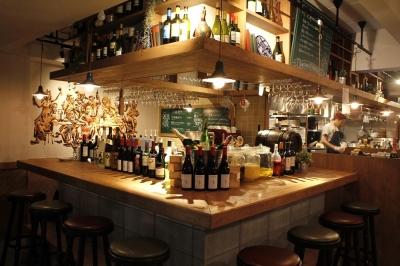 二階はゆったりソファー席の『ワイン酒場 GabuLicious 仙台店』仙台駅西口徒歩5分!