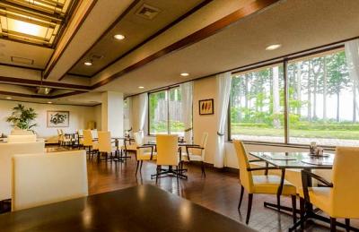 緑に囲まれたリゾートホテルで、キッチンスタッフとして活躍しよう。ゆくゆくはメニュー開発もお任せ!