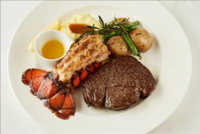 シンガポール発のカフェ、レストラン。銀座店は日本の第1号店として多くの方にご好評いただいています。