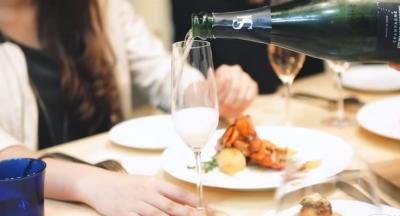 こだわりのボルドー産ワインが楽しめるフレンチバルです。ソムリエ知識を活かし、ご活躍を!