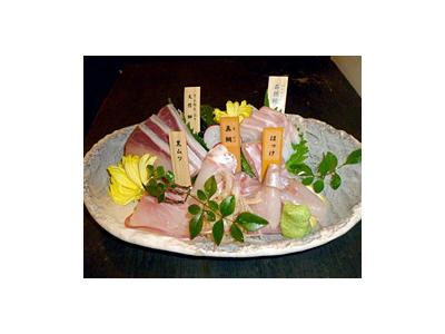 勝どき駅より徒歩1分の好立地!美味しい鮮魚が楽しめる居酒屋&本格的なおばんざいを提供するお店◎