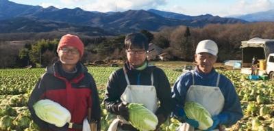 群馬県など、日本全国にあるグループ企業の有機野菜農場。社会貢献活動にも力を入れています。
