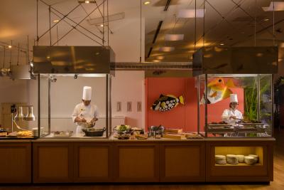 オーシャンビュー宿泊施設内レストラン『ブリーズ』で、調理スタッフとしてご活躍ください!