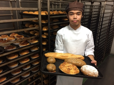 国産小麦と天然酵母にこだわったパン作りをおこなう当社で、パン製造スタッフの募集です!