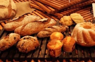厳選素材を使用したパンが常時60~80種!ベーカリー&レストランでブーランジェ募集。
