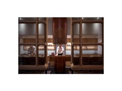 the SUSHIはアンダーズ東京の最上階52階に位置する、8席限定の大人の隠れ家的な店舗です。