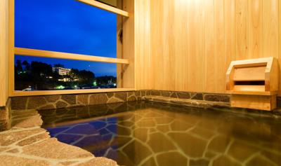 露天風呂付客室に宿泊のお客様には特別懐石をご用意。