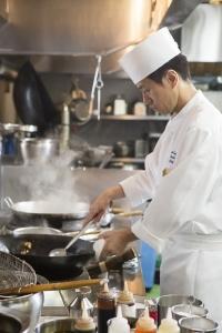 経験豊富な料理長考案の多彩なメニューをご提供しています。