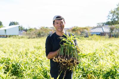 宮崎の農家さんから直接食材を送って頂いてます。