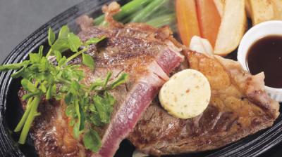 肉質のよいブラックアンガス種の牛肉を使ったアメリカンステーキ