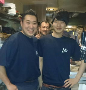 埼玉県内にある「炭火焼鳥 とさか」4店舗で、お客様との触れ合いを大切にできる店長候補を募集します!