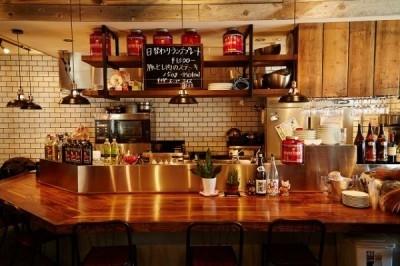 """""""カラダづくりを志す⼈へ⾷の最適なソリューションを提供すること""""を理念にかかげ誕生したレストラン"""
