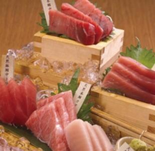 マグロをはじめとした鮮魚や肉料理を提供していきます。