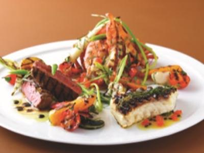 炭焼きグリルを中心に、ヘルシーな地中海料理をカジュアルに楽しめるお店です。