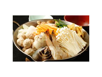 毎日4~5時間かけて仕込むスープと新鮮な魚介類が人気です