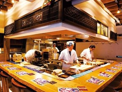 """""""くずし割烹""""の名店と称される「枝魯枝魯」。口コミサイトで高評価を頂く当店で日本料理のプロへ!"""