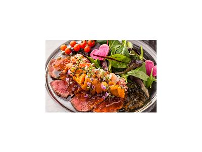 一流料亭で修業を積んだ料理人が彩り豊かな料理を提供しています。