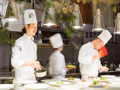 愛知県内に展開するレストラン&ウェディング7店舗でキッチンスタッフ(料理長候補)を募集します。