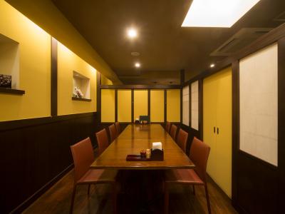 表参道駅から徒歩3分!落ち着いた和モダンな店内でおいしい和食をご提供しています