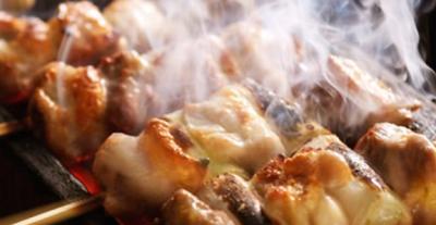 炭の香りと地鶏本来の旨み、そして相性抜群のお酒をぜひお楽しみください。
