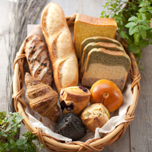 天然の素材へのこだわりはもちろん、食べやすさも重視したシンプルなパンづくりを心がけています。