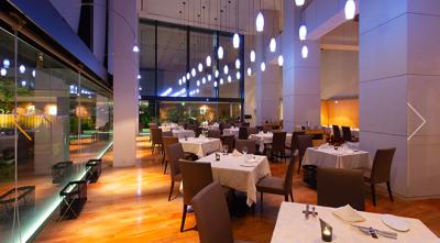 小田急線「新百合ヶ丘駅」すぐの便利な立地にある、ホテル内のフレンチレストラン