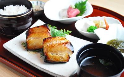 一客一趣」のおもてなしを心がける日本料理店。